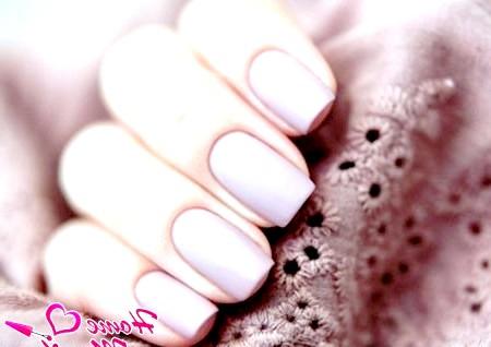 Фото - чудовий матовий колір на нігтях