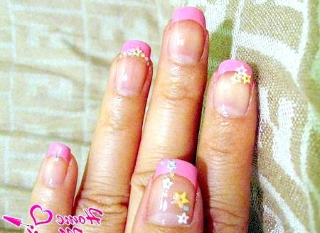 Фото - рожеві нігтики з гарним декором