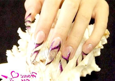 Фото - прозорий вітраж з малюнком на нігтях