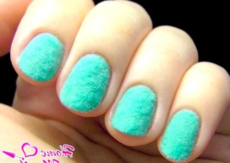 Фото - велюрові нігті м'ятного кольору