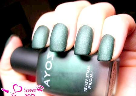 Фото - темно-зелений матовий лак для нігтів zoya