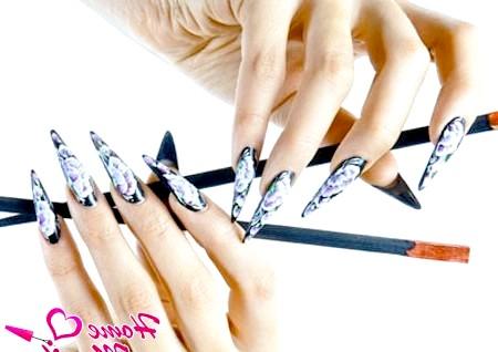 Фото - китайський розпис на чорних нігтях