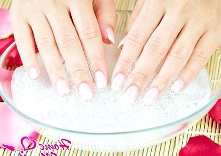 Фото - нарощені маленькі нігті френч