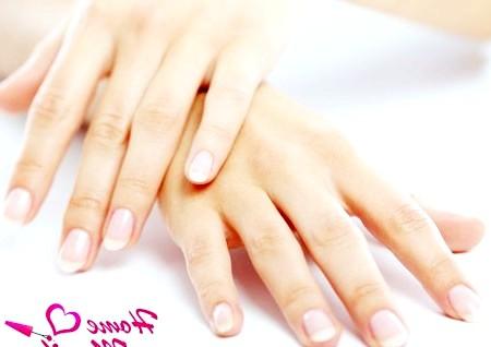 Фото - довгі нігті вимагають правильного догляду