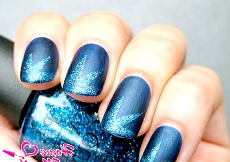 Фото - зоряний малюнок на нігтях гліттерним лаком OPI