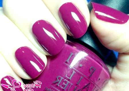 Фото - насичений винний лак на нігтях від OPI