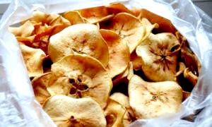 Заготовки на зиму: як сушити яблука в духовці