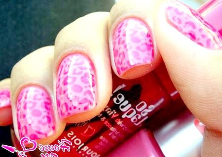 Фото - леопардовий нейл-арт в рожевому кольорі