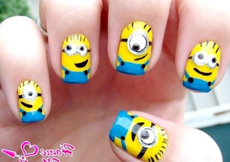 Фото - забавний дизайн нігтів з міньйонами