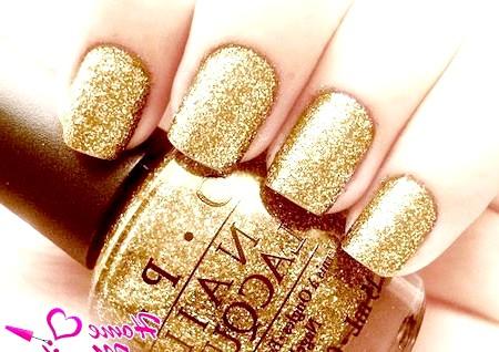 Фото - блискучий золотий дизайн нігтів