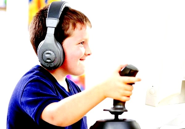 Фото - Поки твоя єдина обов'язок - школа, можна і пограти вдосталь