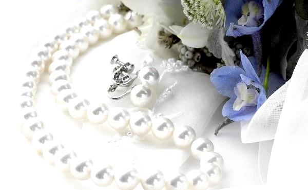 Фото - Прикраси з перлів, безперечно, найкращий подарунок до такої дати
