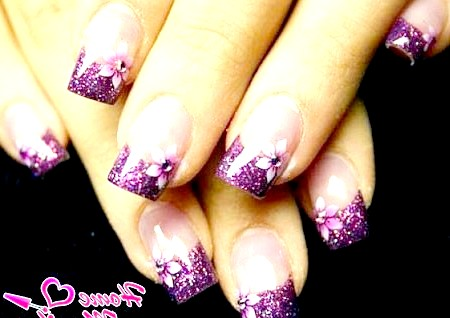 Фото - квітковий френч у фіолетових тонах