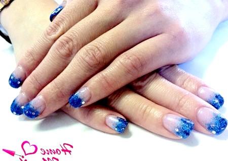 Фото - покриття shellac з глітером в синіх тонах