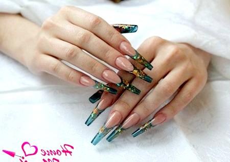 Фото - вітражні нарощені нігті френч