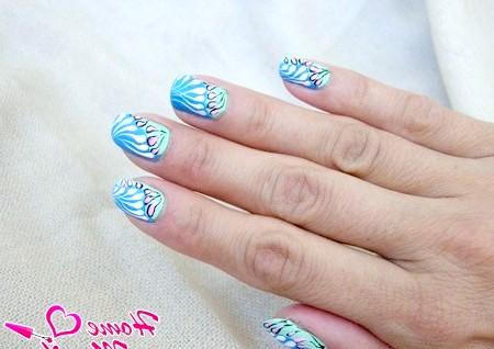 Фото - абстрактна розпис нігтів акриловими фарбами