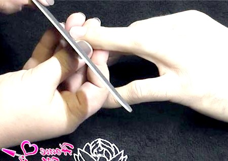 Фото - правильне підпилювання чоловічих нігтів