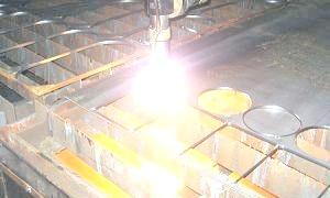 Фото - Що таке плазмова різка металів?