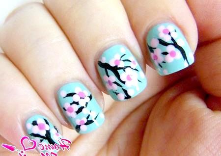 Фото - чуттєва сакура на нігтях