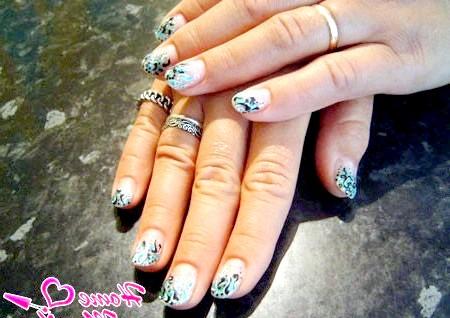 Фото - дуже стильний манікюр на коротких нігтях