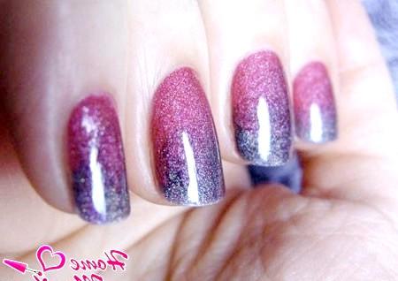 Фото - омбре манікюр у фіолетових тонах