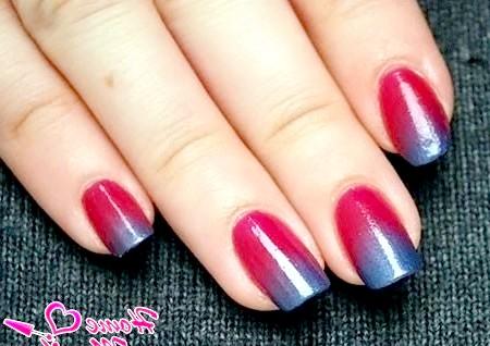 Фото - вишнево-металевий дизайн нігтів