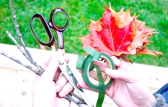 Фото - Як зробити троянду з осіннього листя майстер-клас 1