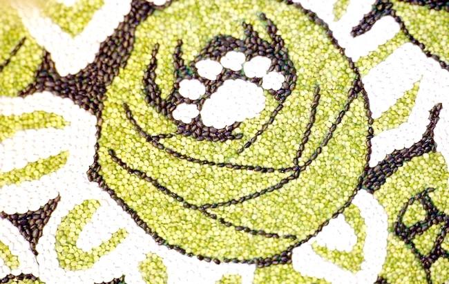 Фото - панно з кавових зерен і бобових