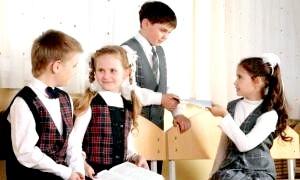 Фото - Шкільна форма та нюанси, що стосуються її
