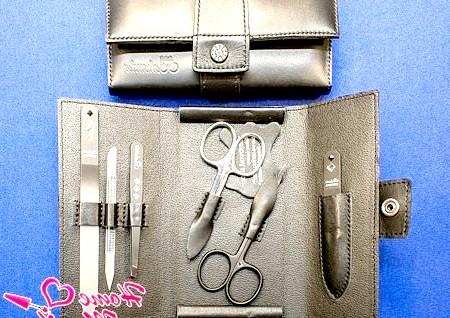Фото - зберігання манікюрних ножиць в спеціальному чохлі