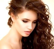Догляд за кучерявими (кучерявим) волоссям